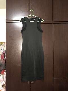 🚚 Black midi dress w mesh