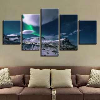 🚚 Aurora Borealis & Mountains Canvas Print