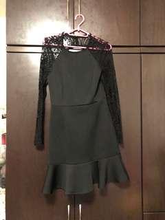 🚚 Black mesh dress