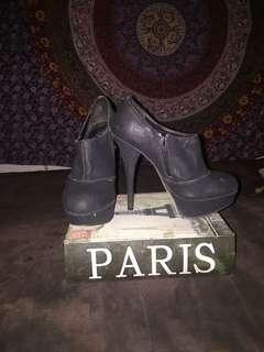 Cute Lipstik Stiletto Boots