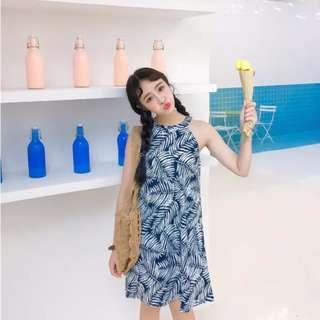 🆕BRAND NEW Halter Neck Sleeveless Leave Print Flora Dress