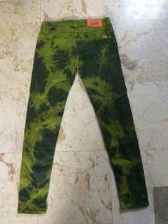 GREEN WASH JEGGING