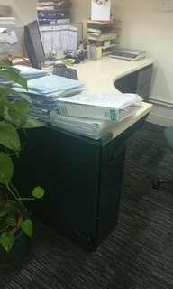 辦公室高級l型辦公枱 辦公桌 office desk steelcase 辦公桌