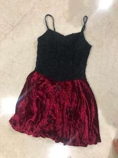 Dress pesta bludru merah hitam