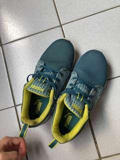 Puma 布鞋 24
