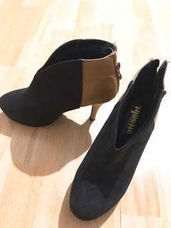 又型又索 ankle boots