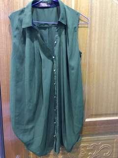 🚚 墨綠色無袖上衣