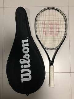 🚚 Wilson Tennis Racket