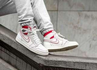 US 9.5 Nike air jordan 1 phantom red