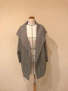 🚚 日本品牌淺灰造型罩衫
