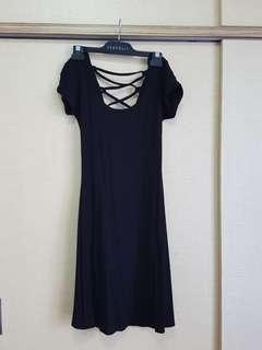 🚚 Black lace-up back dress