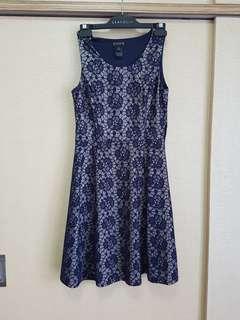 Navy lace overlay midi dress (L)