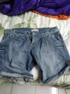 🚚 低腰牛仔短褲#半價衣服市集