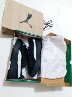 Puma黑色 絨面鬆糕板鞋