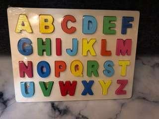 益智玩具 字母拼板 全新