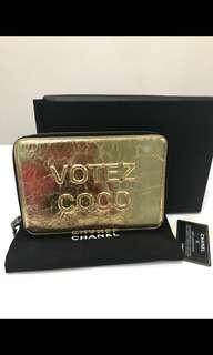 🚚 Chanel coco votez clutch gold