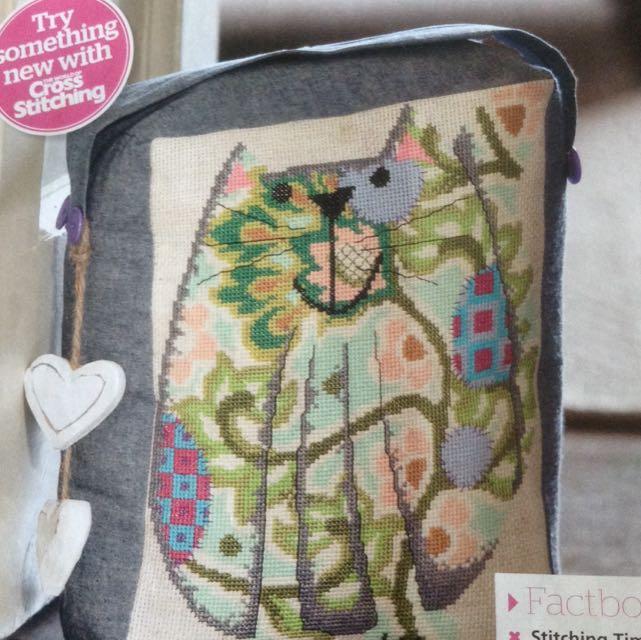 Cross Stitch Chart <Doorstop Cat> B5