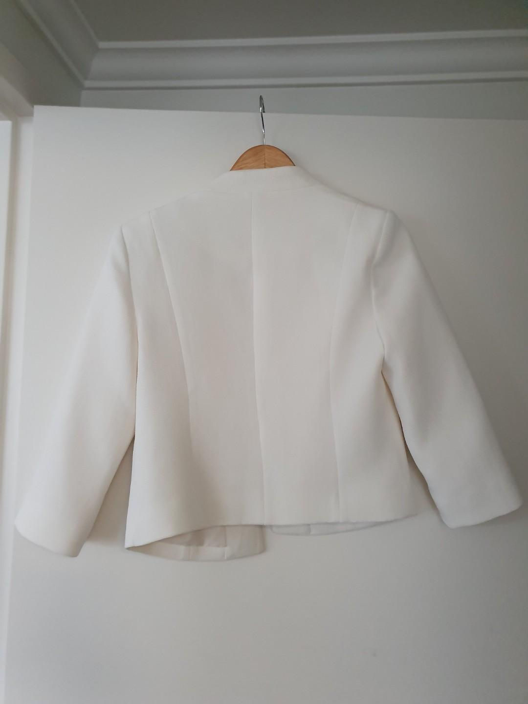 Current season JACQUI E textured crop blazer jacket - Sz 8