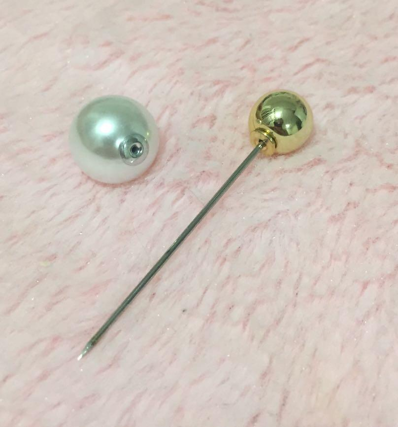 Gorgeous casual style white pearl with golden and silver ball brooch pins for tudung