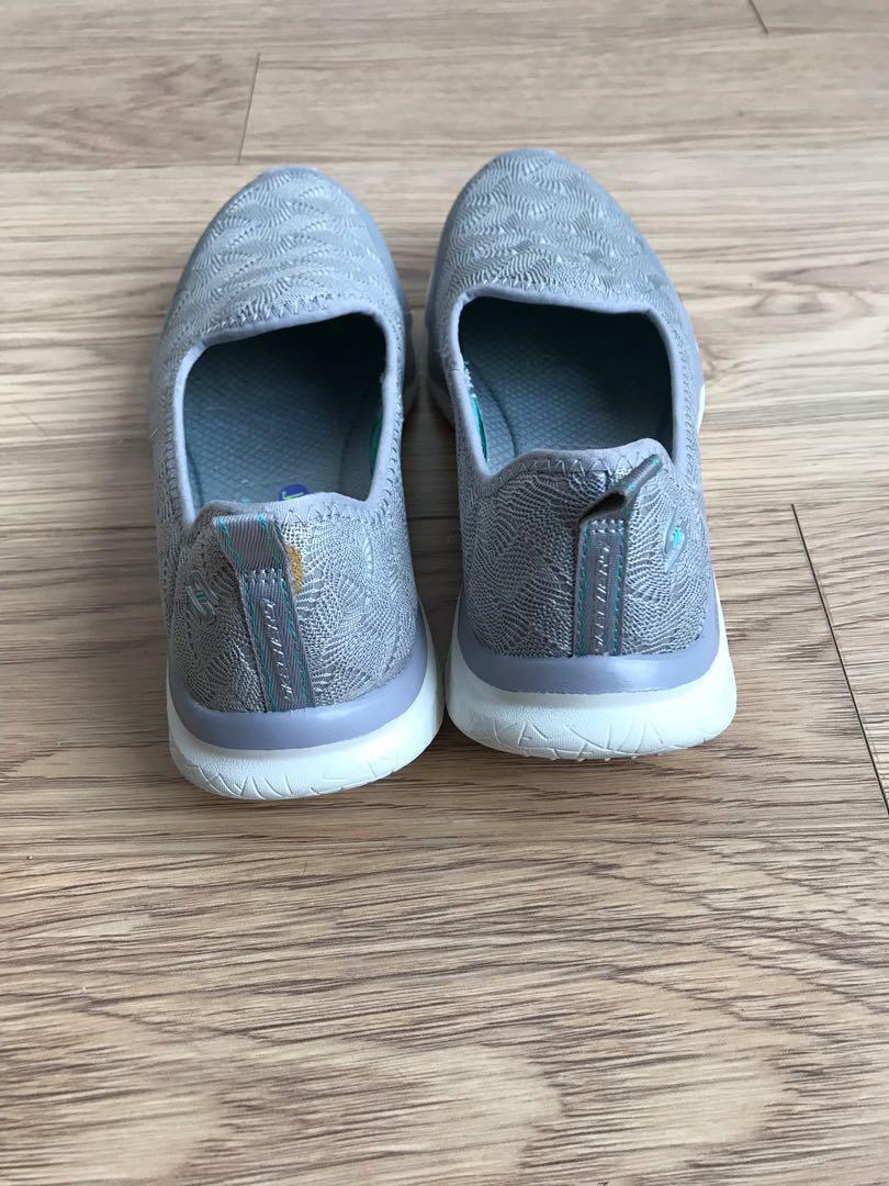 Grey sketchers memory foam shoes-GUC-Size 5.5 women's