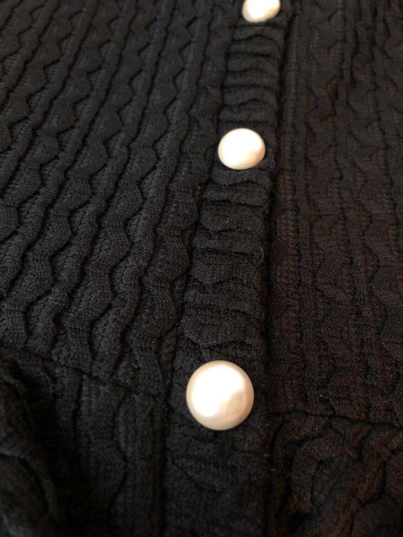 韓風OL黑色珍珠鈕上衣