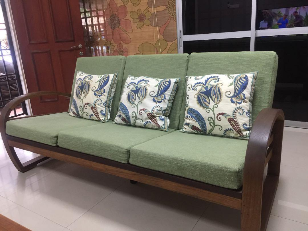 Picture of: Old Fashion Sofa Set Good Quality Wood Home Furniture Furniture On Carousell