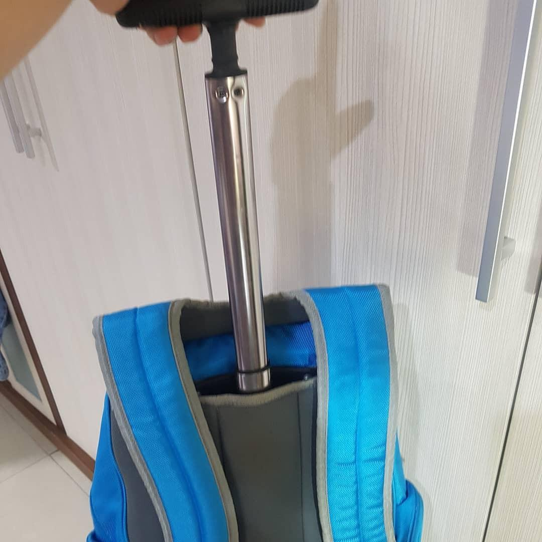 Oshkosh Backpack dengan roda