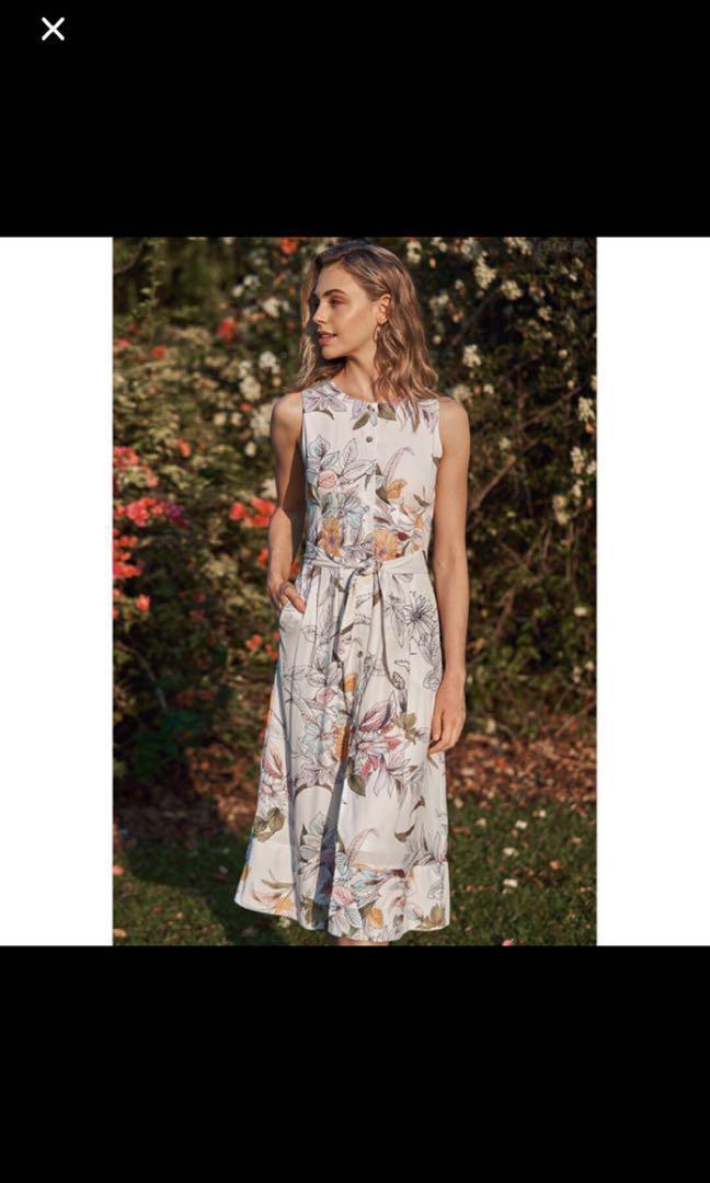 5a6ae446960 TCL Camryn Floral Printed Midi Dress