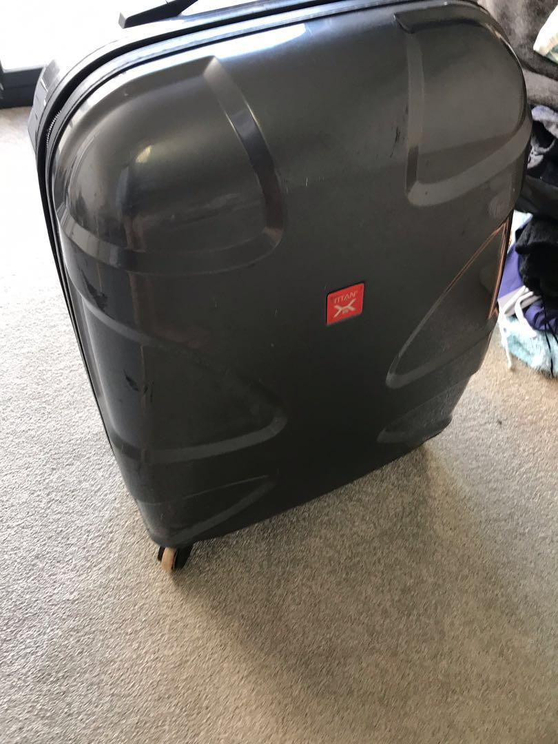 Ultralight Medium size luggage