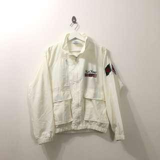 🚚 VINTAGE EMBROIDED COUNTRY KO OLINA WINDBREAKER