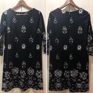 🚚 H&M Black Shift Dress