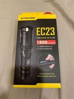 Nitecore EC23 Flashlight 1800流明 防水 充電 多功能手電筒 全新