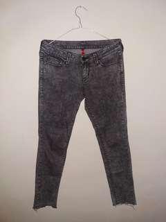 Celana Panjang Uniqlo