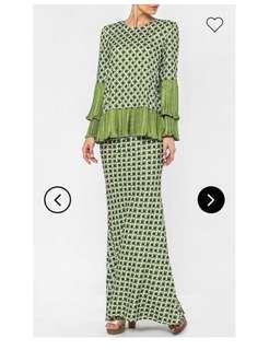 Fashionvalet x radzuan radziwill Kurung in Army Green