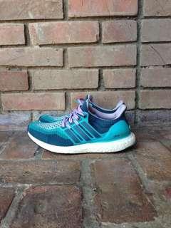 Adidas Ultraboost (FREE SHIPPING)