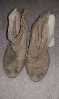 Gladiator peep toe wedge