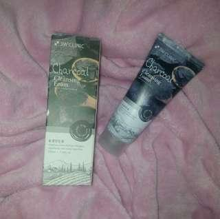 3W Clinic Charcoal Cleansing Foam