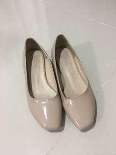 Pink Shoes for girls size 2.5