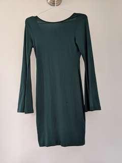 🚚 Green bodycon flutter dress
