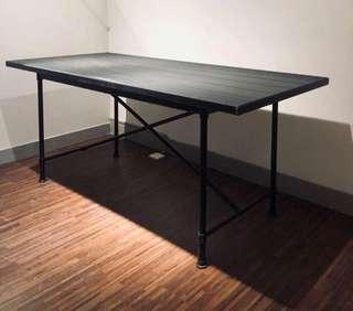 IKEA黑色長檯