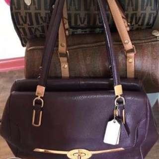 AUTHENTIC COACH LEATHER BAG
