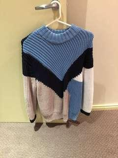 Thick knitted jumper