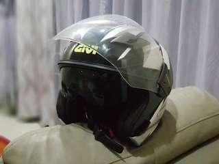Helmet GIVI M30.3 D-Visor & GIVI CRS01 Rain Jacket