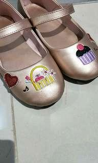 🚚 Girls Shoes