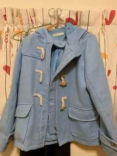 淺藍短大衣