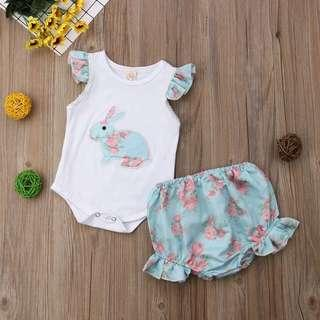 🚚 2 pieces Floral Rabbit Flutter Sleeves Romper with matching Bloomers