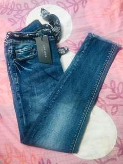 🚚 Mid blue denim skinny belted cropped Jeans