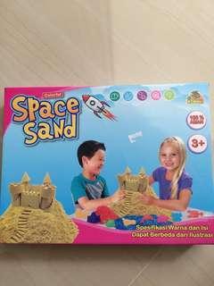 Mainan pasir magic sand