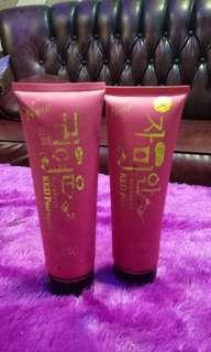 Hand body red pome
