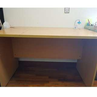 WOODEN COMPUTER / STUDY TABLE